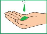 Нанести на руки необходимое количество жидкого мыла